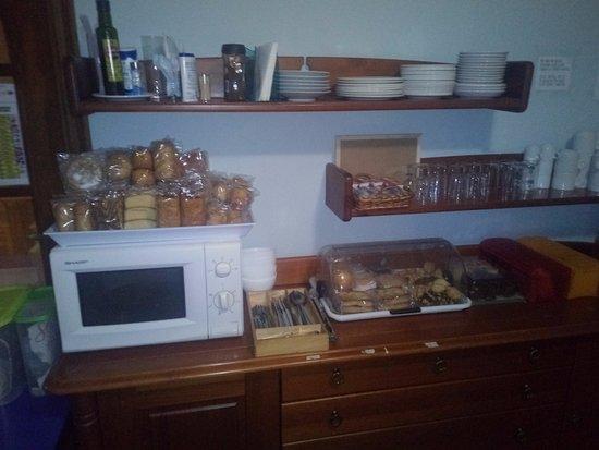 Santiago de la Ribera, Spagna: breakfast array, even supplying extra yourself the price is good