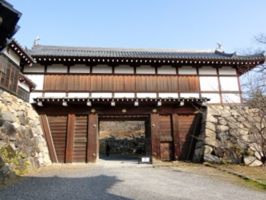 Yamatokoriyama, Jepang: 復元された門