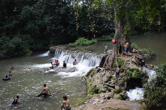 Hampshire Falls and Caves (Pwe Kauk) : upper falls