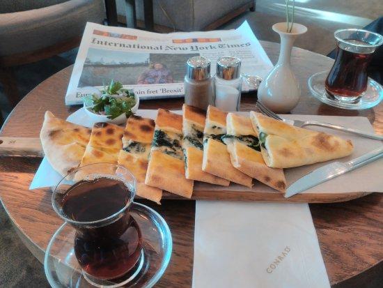 Conrad İstanbul Bosphorus: vegetarian pita prepared by conrad istanbul chef - photo from executive lounge