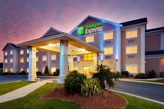 Holiday Inn Express Gibson: Exterior