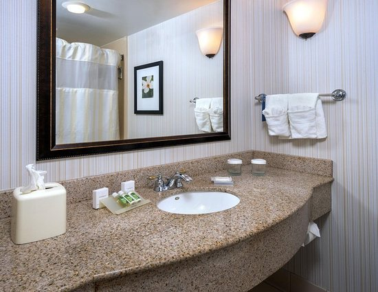 Hilton Garden Inn Montgomery East: Guest Vanity