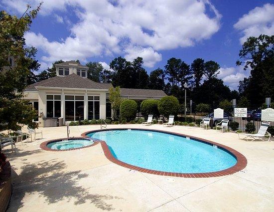Hilton Garden Inn Montgomery East: Pool