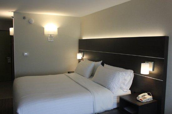 Corydon, IN: Guest room