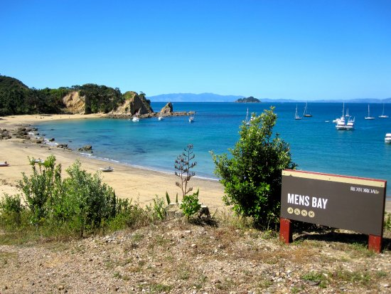 Auckland, New Zealand: A great picnic spot. Men's Bay, Rotoroa Island