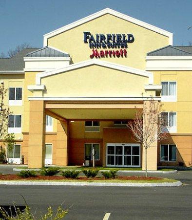 Auburn, MA: Exterior