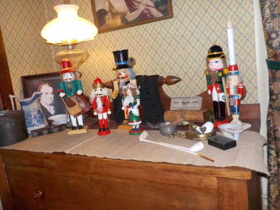 Lockport, NY: Christmas Decorations in the Bond House