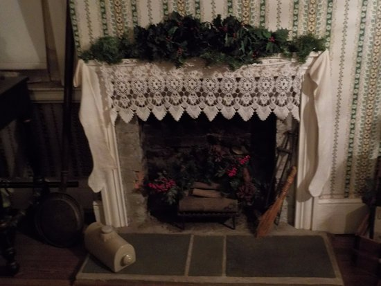 Lockport, NY: Fireplace