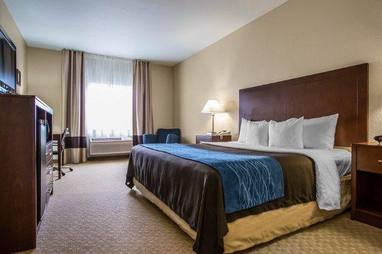 Dixon, IL: Guest room