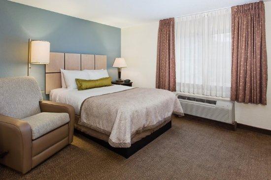 Candlewood Suites - Hampton: Guest room