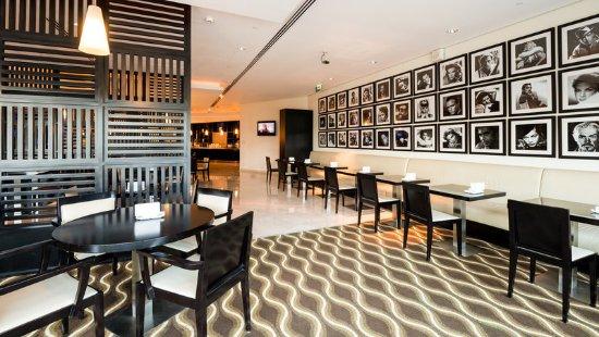 Holiday Inn Express Dubai Airport: Restaurant