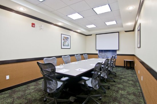 Holiday Inn Express Hotel And Suites Fort Saskatchewan: Meeting room