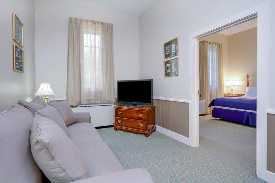 Carlisle, PA: Suite