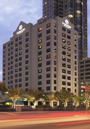 DoubleTree by Hilton & Suites Jersey City Hotel
