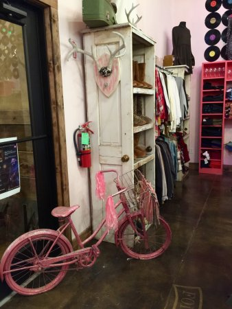 The Pink Pistol.....Lindale, Texas
