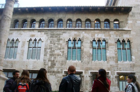 Private Erotic History Waling Tour in...