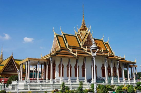 01 Day - Phnom Penh, Silver Pagoda, S-21 and Killing Fields