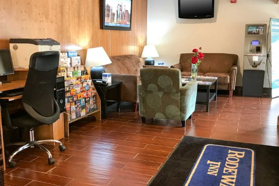 Gloucester City, NJ: Lobby