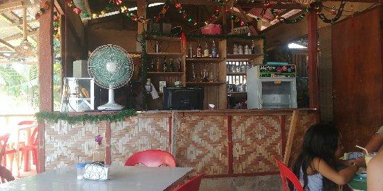 Dalaguete, الفلبين: This place has amazing, fresh food...seafood noodles, minus squid, plus extra shrimp is FANTASTI