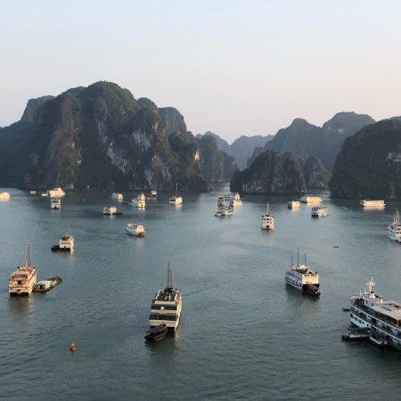 Bai Tu Long Bay: photo1.jpg
