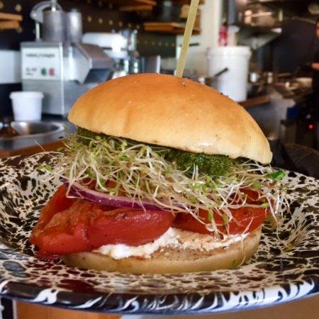Waikanae, New Zealand: Smoked tomato sandwich with ricotta, pesto & alfalfa