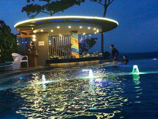 Vents a pool bar