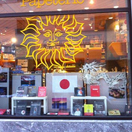 St. Moritz, İsviçre: Wega Buchhandlung der Spezialist für Kochbücher