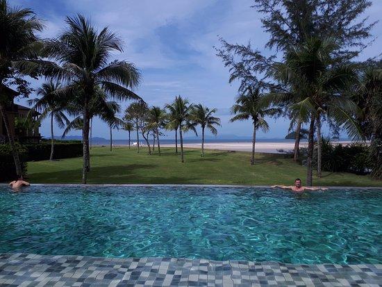 Sikao, Thailand: cette piscine est interdite aux enfants pour adulte