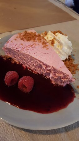 Lauris, Frankrike: Cheesecake aux fruits rouges
