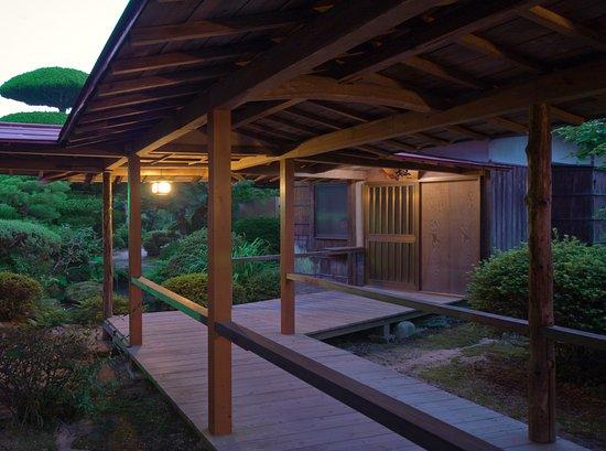 Shunan, Japan: 離れ棟 渡り廊下
