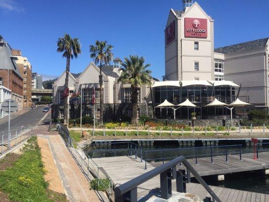 City Lodge Hotel V&A Waterfront: Vista general del hotel