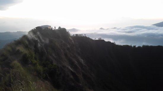 Toya Bungkah, Indonesien: walking through the rim
