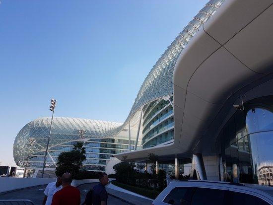 Yas Marina Circuit: Hotel Yas Viceroy Abu Dhabi przy samym torze