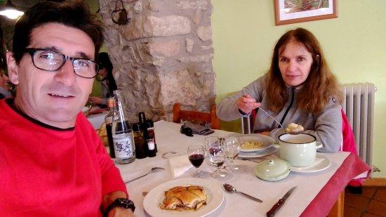 Baga, Spanien: Disfrutando de la comida