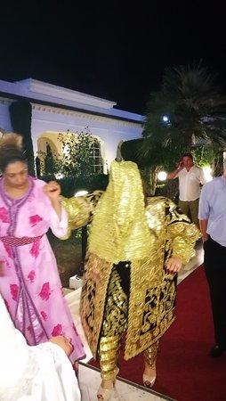 El Mouradi Palm Marina : это 2 наряд невесты