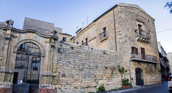 Palazzo Pollicarini