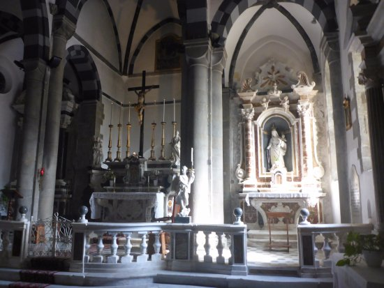 Church of San Giovanni Battista: Lovely Altar