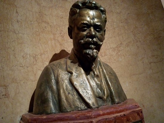 Bronze bust of Vacslav Havel
