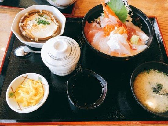道の駅 北浦街道 豊北, 海鮮丼定食