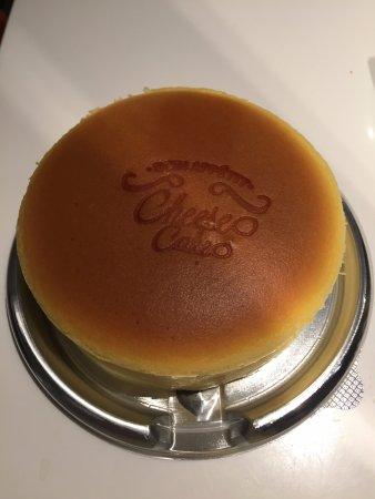 Paris Baguette Myeongdong Gwangjang: 好鬆軟的芝士蛋糕