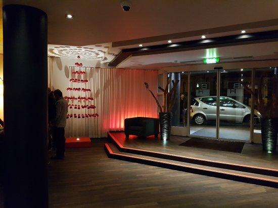 Bristol Hotel Frankfurt: Rezeption