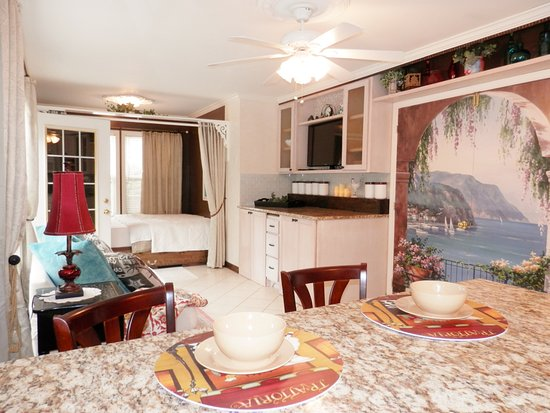 Fayetteville Nc Furnished All Inclusive Studio In Prime Location Walking Distance To