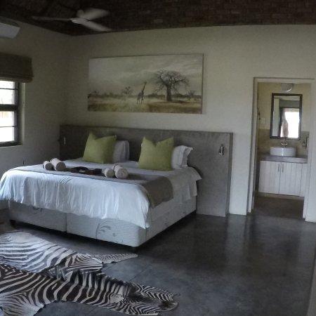 Senalala Luxury Safari Camp: photo0.jpg