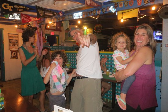 Coral Bay, St. John: Friday night live music and dancing at Skinny's