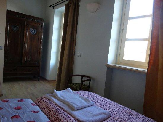 Monforte d'Alba, Italia: DSC08678_large.jpg