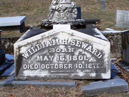 Auburn, NY: Grave of William Seward