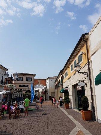 Noventa di Piave Designer Outlet - McArthurGlen (Italy): Top Tips ...