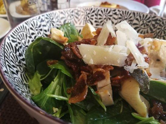 MiVà: Pranzo delizioso! Locale originale e personale simpatico e accogliente.