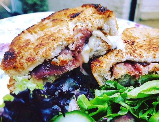 Devizes, UK: Brie, Parma Ham & fig melts