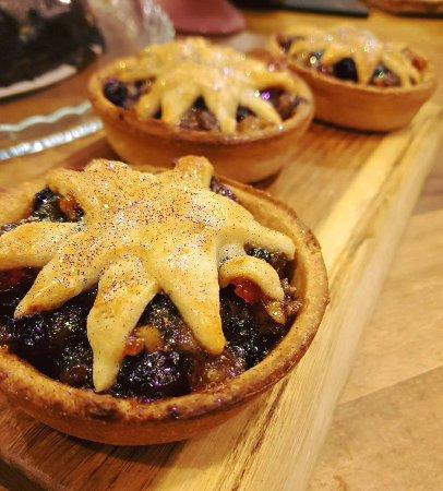 Devizes, UK: Yummy mince pies!